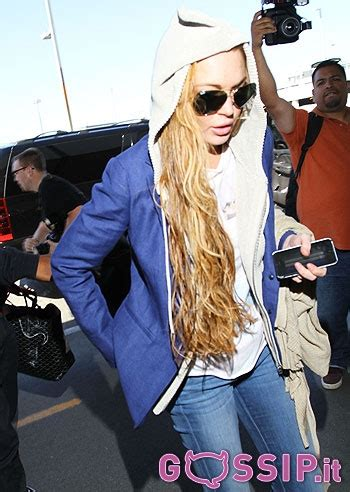 Lindsay Lohan Gets Fresh Extensions In Rehab by Lindsay Lohan Vola A New York Prima Di Entrare In Rehab