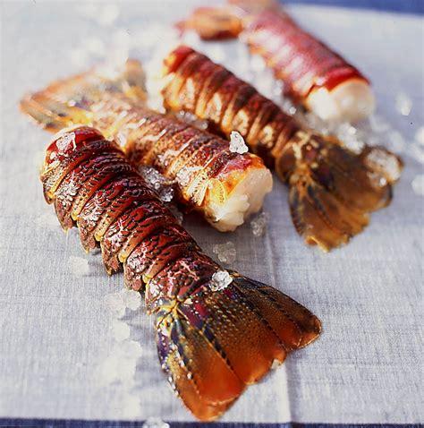 cuisiner des queues de langouste queues de langoustes caram 233 lis 233 es recettes 224 table