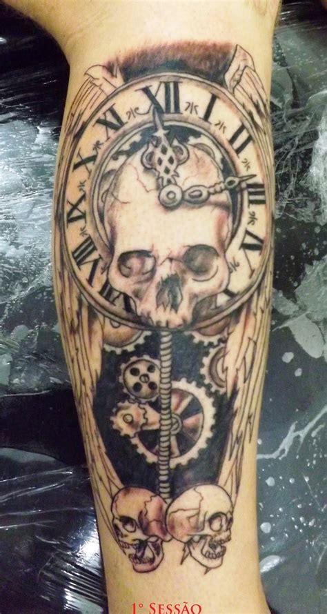 fabiano tatuagem tattoo caveira com relogio e asa 1