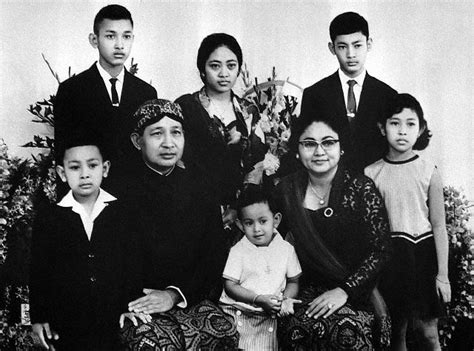 Anak Desa Biografi Presiden Soeharto 1 tentang soeharto linggau chanel