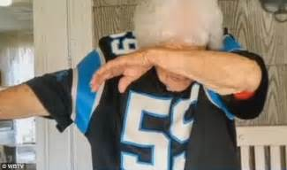 Define Ward Off mary ward dabs like cam newton in photo that goes viral on