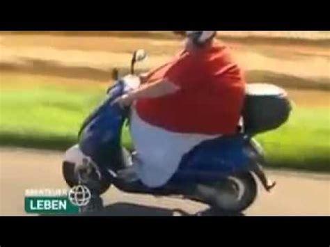 Motorradfahren Geil by Dicker Mann F 228 Hrt Roller D Xd Youtube