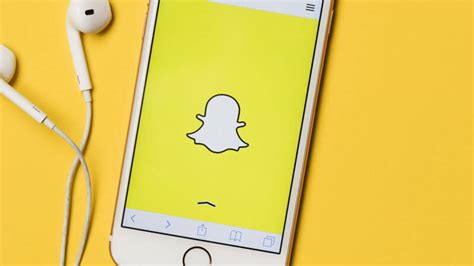 Video How Snapchat S Snap Publisher Ad Creation Tool Works Marketing Land Snapchat Ad Template