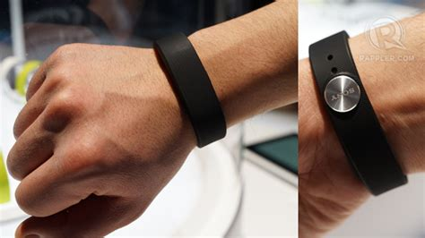 Sony Smartband fitness tracker hands on review