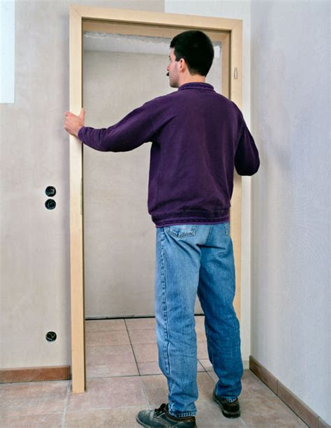 come montare una porta interna come montare una porta bricoportale fai da te e bricolage