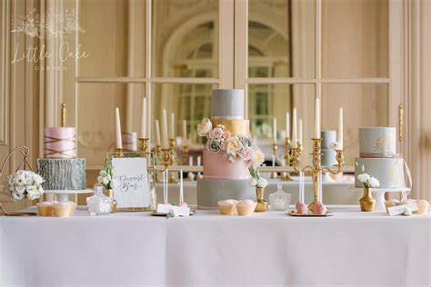 how much should a wedding cake cost uk wedding budget 101 wedding cake costs weddingplanner co uk