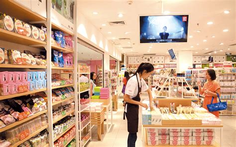 Theory Expanding In So Cal Opens New Store On Avenue by Miniso Launches Aggressive 500 Store Canadian Expansion
