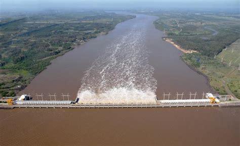 imagenes satelitales rio dela plata alertan contaminaci 243 n en r 237 o de la plata y uruguay