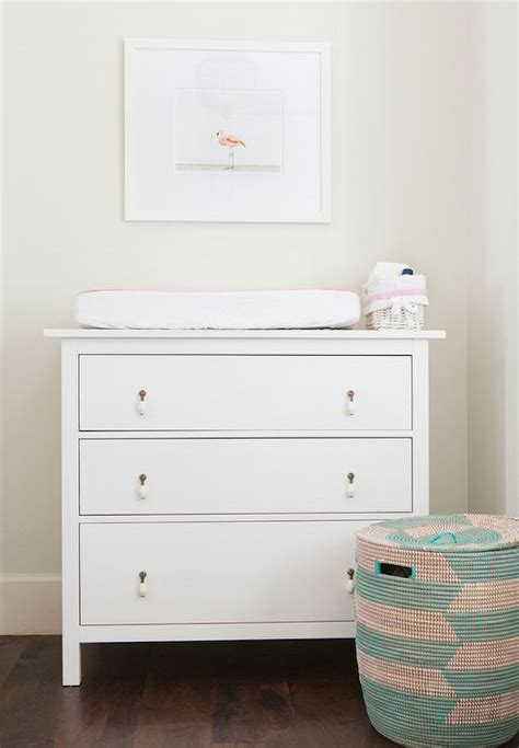 25 Cool Ways To Furnish A Nursery With Ikea Digsdigs Ikea Hemnes Changing Table