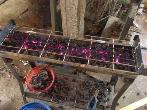 Pemanggang Sate Arang lava grill panggangan batu lava cara memanggang pada batu