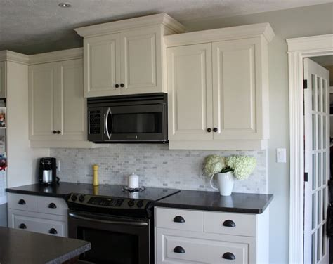 lowes white shaker cabinets white shaker kitchen cabinets lowes cabinets matttroy