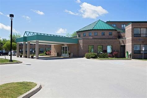 Best Western Inn On The Bay (C?$?1?6?9?) C$132   UPDATED