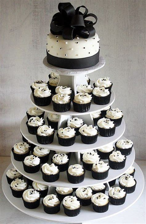 Wedding Cakes Cheap by Black And White Cupcake Of Inexpensive Wedding Wedding