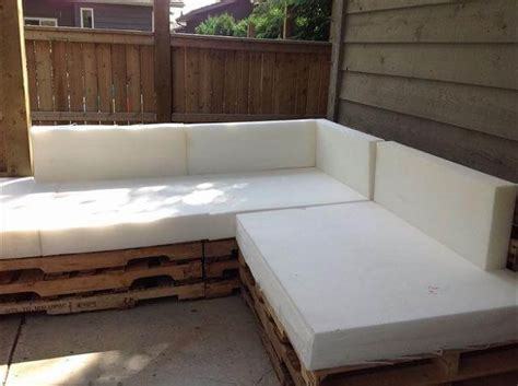 Diy Reclaimed Pallet Outdoor Sectional Sofa Pallet Sectional Sofa