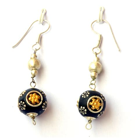 Handcrafted Earrings - handmade earrings black with metal rings