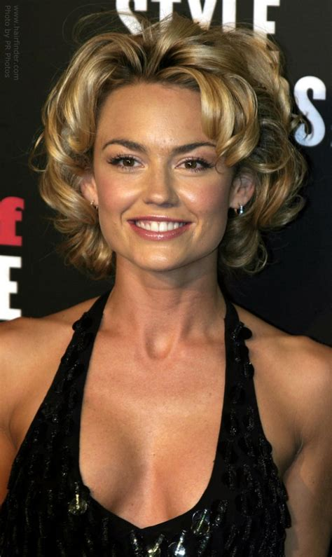 kelly carlson s short hairdo with bouncy curls