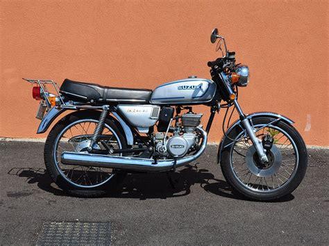 Suzuki 125 Gt 1000 Ideas About Suzuki 125 On Sedan Motos