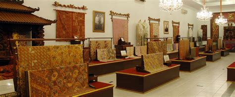 design interior batik museum batik danar hadi wisata solo