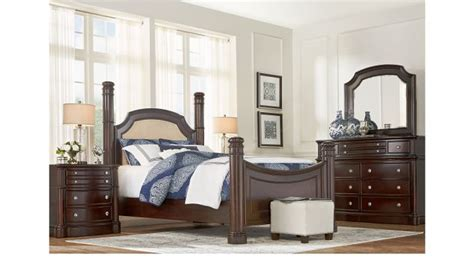 dumont bedroom furniture dumont cherry 5 pc king low poster bedroom traditional