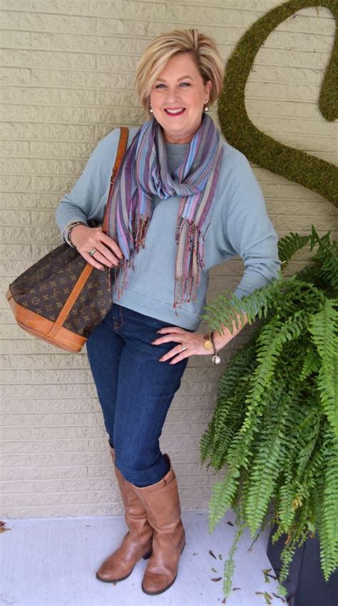 style ideas for sixxty year old women weekend casual outfit work for women and bags