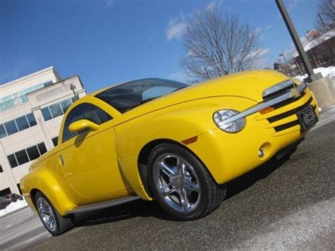 car repair manuals download 2005 chevrolet ssr auto manual find used 2005 chevrolet chevy ssr 6 speed manual yellow low miles corvette powered in