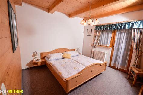vollholz schlafzimmer ferienwohnung steinplatte 6 personen waidring tirol