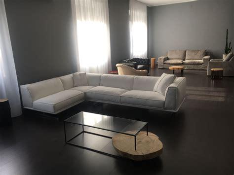 vendita divani in pelle nuovo divani moderni in vendita da tino mariani in negozio