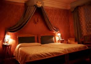Find it in the bedroom decorating ideas to create a romantic bedroom