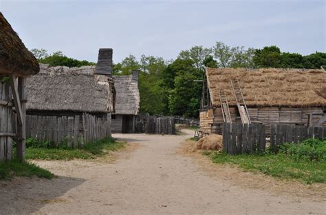 What Is A Colonial House panoramio photo of pilgrim village
