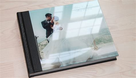 Wedding Album Glass Cover by Wedding Photo Album Spotlight Aileen And Julian Albums