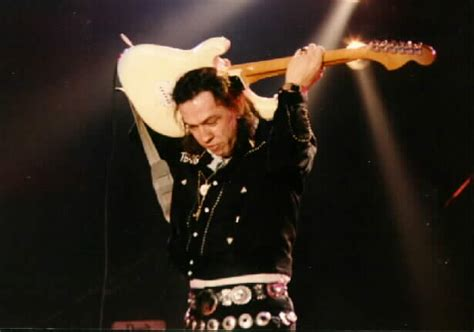battle   guitar gods   sudden death stevie ray vaughan  david gilmour blu ray