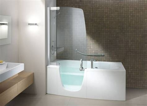 Modern Bath And Shower Combo by 34 Best Images About Shower Splash Panels On Shower Doors Glass Panels And