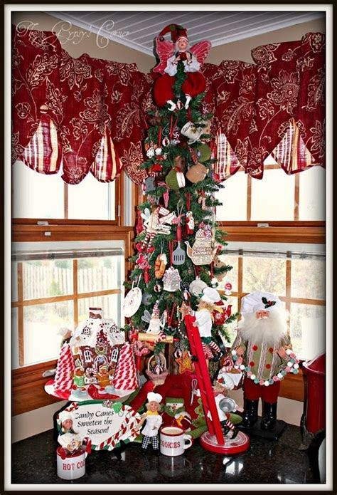 kitchen christmas tree ideas 19 best images about christmas valances on pinterest