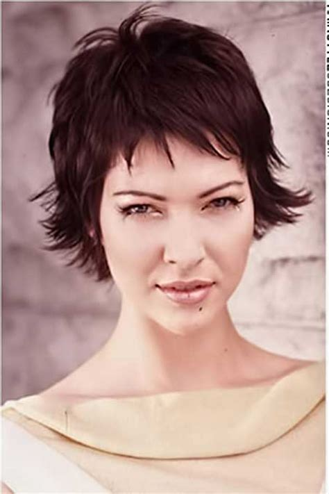 pictures of short layered hairstyles that flip out 20 short layered haircuts images short hairstyles 2016