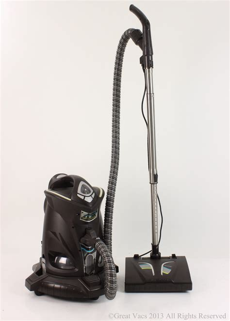 Vacuum Conditions Ritello Vacuum Cleaner Mint Condition Loaded With Tools