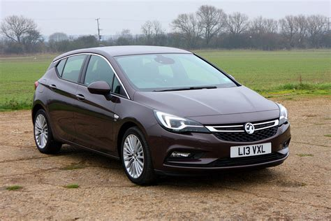 opel astra hatchback vauxhall astra hatchback review parkers