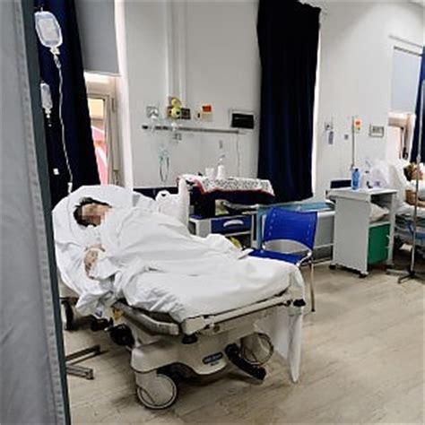 posti letto ospedali reparti chiusi pochi medici posti letto dimezzati l