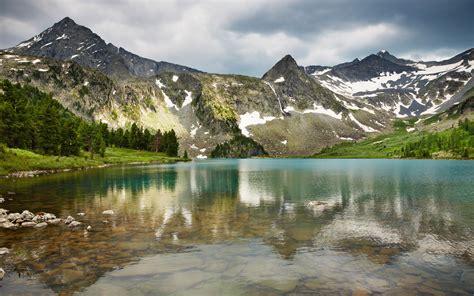 free beautiful landscape desktop wallpaper 06 2010