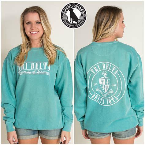 seafoam comfort colors of arkansas tri delta crest sweatshirt comfort