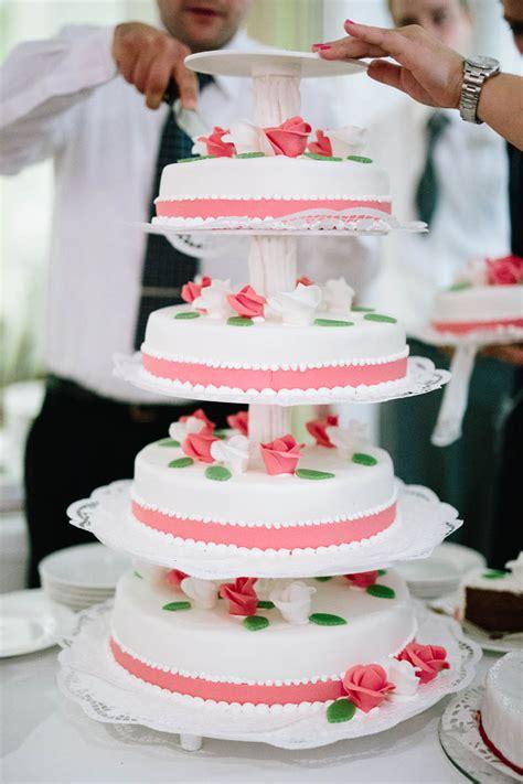 Hochzeitstorte Apricot by Traumhafte Hochzeitstorte Visagistin Makeup Morri