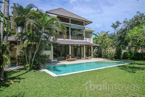 five bedroom houses for rent five bedroom family villa on 600m2 land in beachside