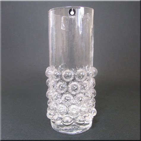 Glass Vases Guides by Pukeberg Glass Identification Guide Glass Encyclopedia