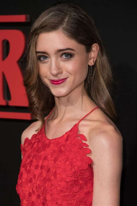 natalia dyer stranger things premiere in los angeles