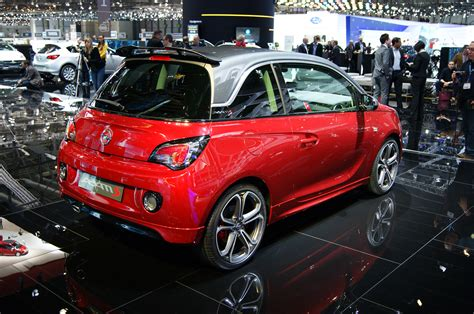 opel adam buick opel adam s rear three quarters photo 3