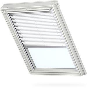 jaloezieen velux velux raamdecoratie gordijnen rolluiken zonwering