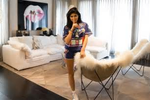 kris jenner bedroom furniture inside kylie jenner s mansion 14 things we learned on her house tour celebuzz