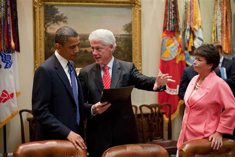 file barack obama and bill clinton in the oval office jpg file obama and bill clinton jpg wikipedia