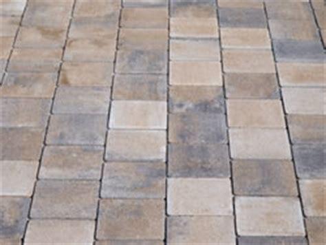 Naturstein Reinigen Mit Soda 5278 by Terrassenplatten Aus Beton Vs Aus Granit Hausgarten Net