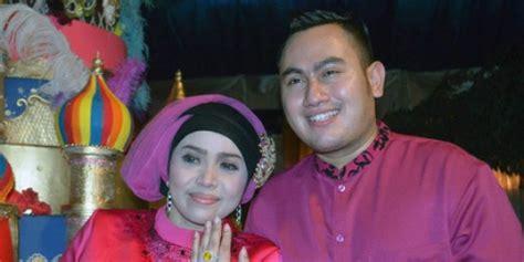 Kado Istri Untuk Suami By Tri Asmoro Kurniawan wow musdalifah kado jam tangan mewah untuk ultah nassar