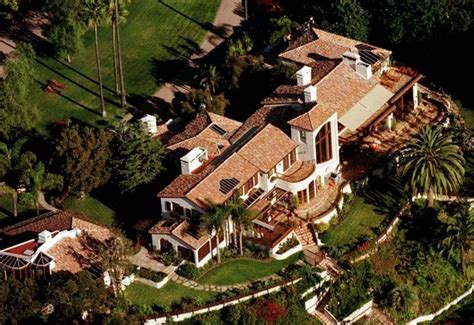 steven spielberg house director steven spielberg s enormous compound star map los angeles